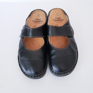 Finn Comfort Black Leather Stanford Mary Jane Clog